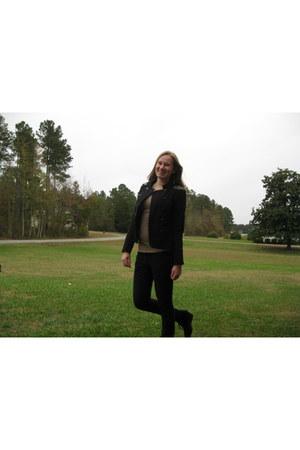 black Pimkie jacket - light brown Primark t-shirt