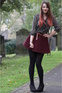 Black-woollen-old-tights-crimson-cord-american-apparel-skirt