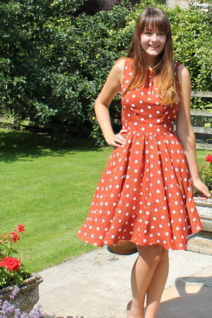 burnt orange polka dot 50s Dorothy Perkins dress - nude new look heels