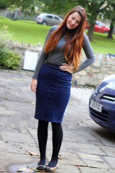 navy pencil Primark skirt - heather gray roll neck Zara jumper