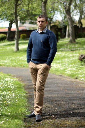 camel Matalan pants - black Debenhams shoes - navy shumper George At Asda jumper