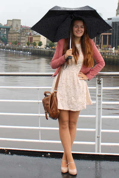 How to wear pink and cream - outfit inspiration. - Mode Devoted