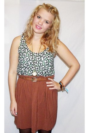 tawny Newlook skirt - chartreuse Topshop vest