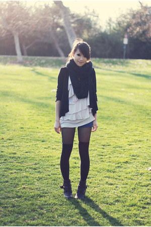 light pink ruffles Love on a Hanger shirt - black infinity scarf 2b bebe scarf