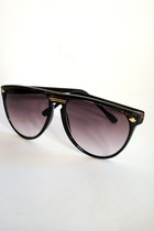 smokey oval vintage sunglasses
