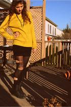 chartreuse Target jumper - black boots