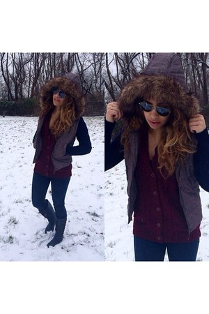 dark brown vest