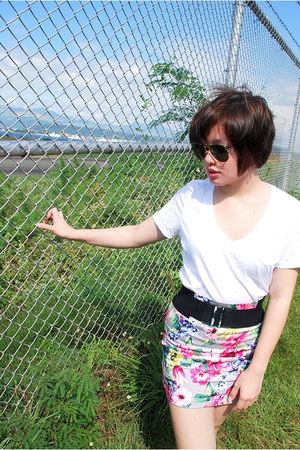 white Forever 21 shirt - SM skirt - black H&M belt - Ray Ban sunglasses