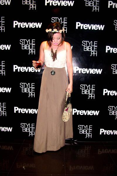 67b36535a brown leopard Aranaz bag - dark khaki maxi Forever 21 skirt - ivory corset  H&M t