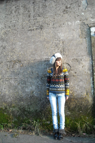ethnic Only sweater - Lodi boots - adidas hat