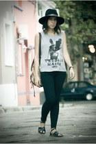 black Levis jeans