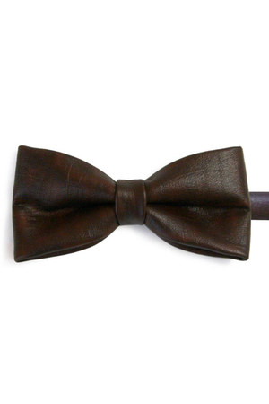 dark brown Equeglitz tie