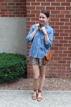 Old Navy top - Forever 21 shorts - Michael Kors sandals