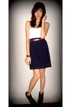 brown Greenhills hat - white Old Navy top - red belt - blue DKNY skirt - brown C