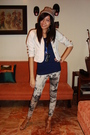 Beige-old-navy-blazer-blue-moms-top-yellow-never-been-kissed-leggings-beig