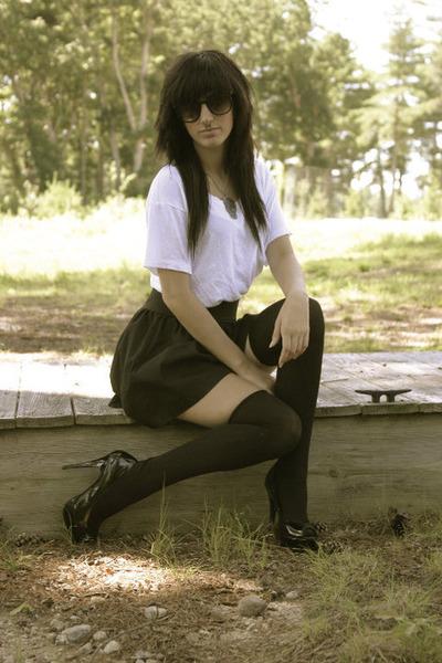 sunglasses - black heels