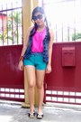 Hot-pink-just-chic-top-turquoise-blue-just-chic-shorts-brown-celine-flats