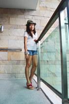 blue lace Bubbles shorts - white cotton Jar Clothing top - magenta janeo sandals