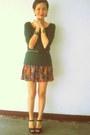 Jellybean-shoes-moss-green-zara-top-floral-tennis-jaciendera-skirt