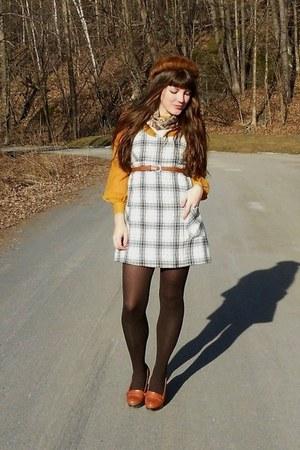 mustard chiffon H&M dress - brown mink vintage hat