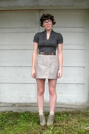 gray dress - beige vintage skirt - beige GoJane boots - black Forever 21 glasses