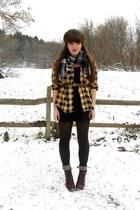 navy plaid thrifted scarf - dark brown cheerio seychelles boots