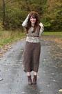 Beige-floral-ruche-cardigan-dark-brown-cheerio-seychelles-boots