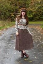 beige floral Ruche cardigan - dark brown cheerio seychelles boots