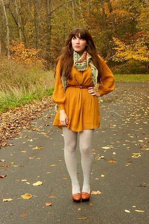 mustard H&M dress - heather gray heather tights - burnt orange thrifted scarf