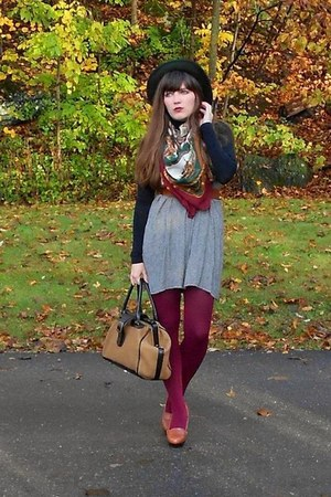 maroon thrifted vintage scarf - black turtleneck American Apparel dress