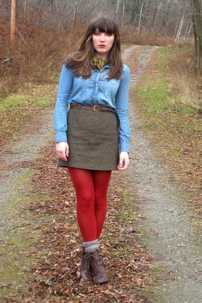sky blue shirt - dark brown thrifted skirt - red HUE tights - dark brown seychel