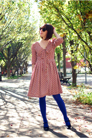 blue HUE tights - burnt orange dress