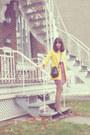 Black-dooneybourque-vintage-purse-yellow-trench-coat-thrifted-vintage-coat