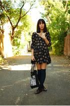 Lilo dress - tote fieldguided bag - aa socks - vintage loafers