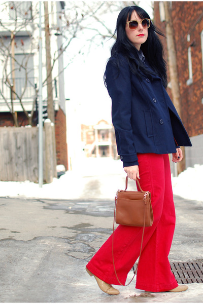 red Dittos jeans - beige Forever 21 shoes - navy H&M coat - tawny vintage bag