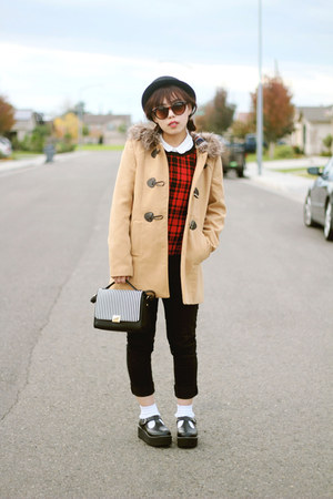 black bowler hat - camel fur hoodie f21 jacket - black bag