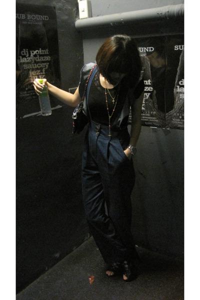 blue pants - black top - black shoes