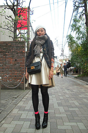 camel selfmade skirt - off white Kangol hat - dark green Zara blazer