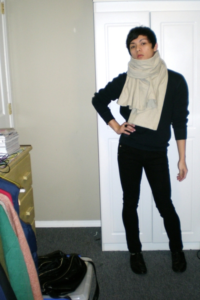 Gap sweater - lady dutch pants - scarf - shoes