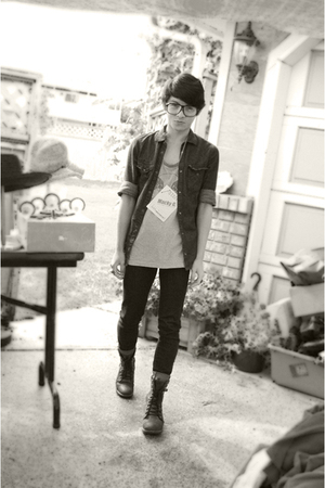 H&M shirt - Gap jeans - UO glasses - vintage top - Aldo boots