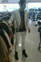 jacket - t-shirt - jeans - boots