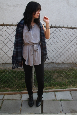 Forever 21 shirt - Kill City jeans - scarf