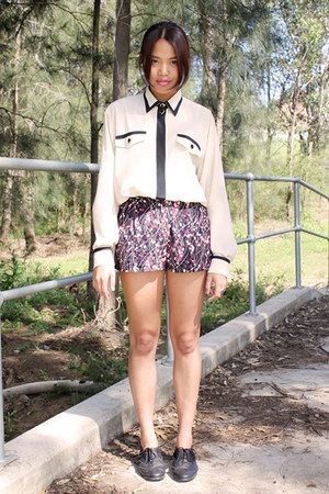 Sportsgirl shoes - shorts - blouse