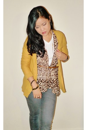 mustard Urban Outfitters cardigan - heather gray jeans - white J Crew t-shirt