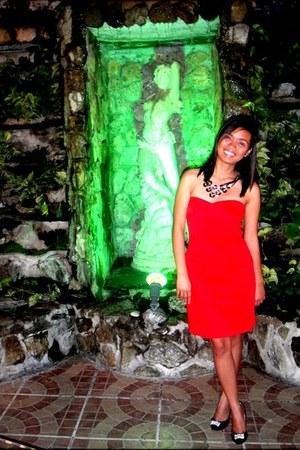 red tube WAGW dress - black SEPA necklace