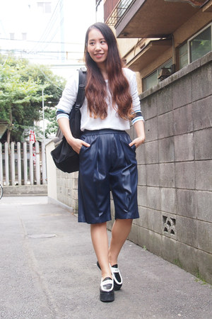 black backpack LORINZA bag - navy half john lawrence sullivan shorts