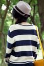 Light-pink-pins-n-needles-hat-ivory-monki-sweater-mustard-cambridge-satchel-