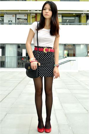 white H&amp;M t-shirt - black cotton on skirt - red maud frizon shoes - pink vintage