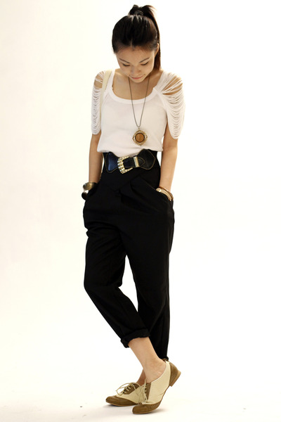 black vintage belt - beige River Island shoes - black unknown brand pants