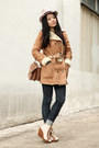 Navy-uniqlo-jeans-light-pink-pins-and-needles-hat-burnt-orange-bershka-jacke